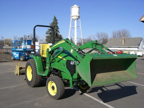 Where to find TRACTOR JD 3120 in Elk River